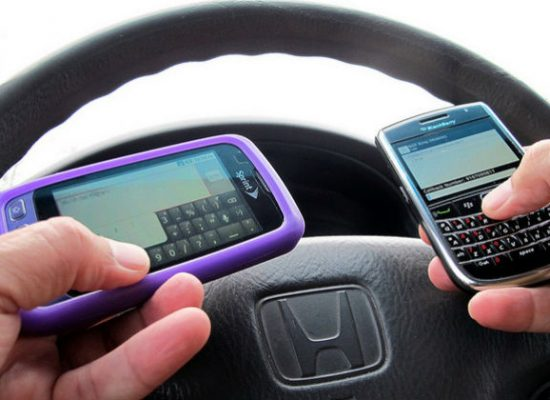 France bans using mobile phone even while car is stopped