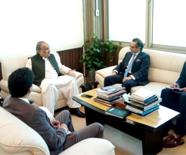 Microsoft officials meet Pakistani officials, joint collaboration on technology agreed